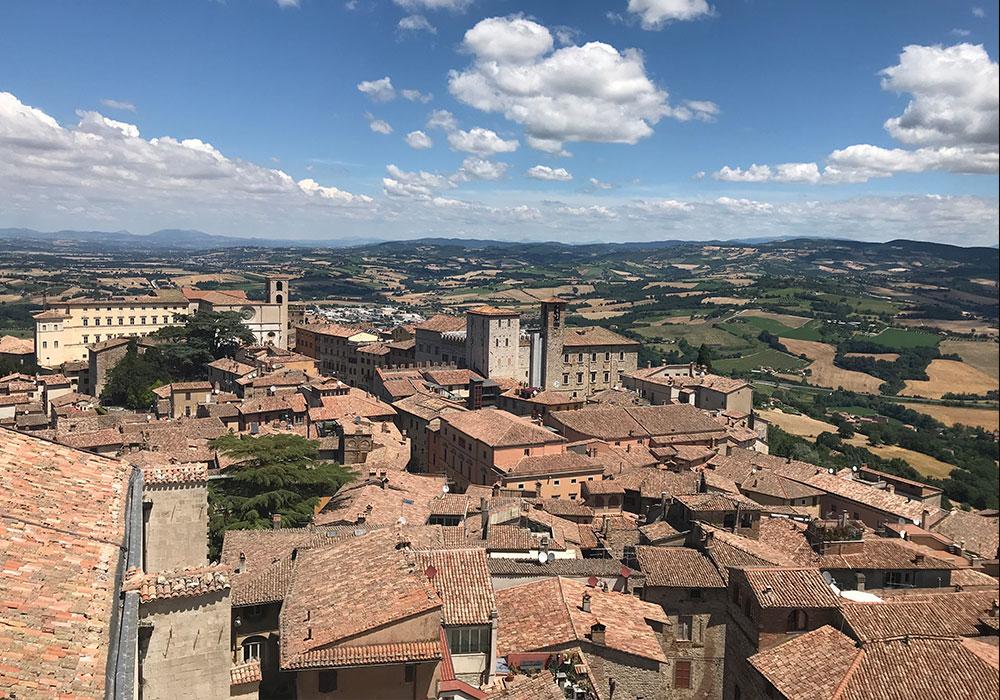 Der Rundblick vom Campanile San Fortunato