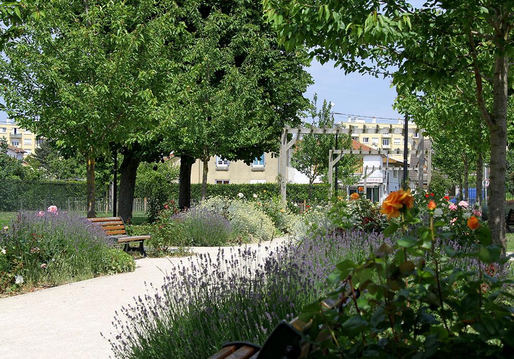 Blumenmeer in einer der Parkanlagen in Dreux. Foto: Jean Cardoso